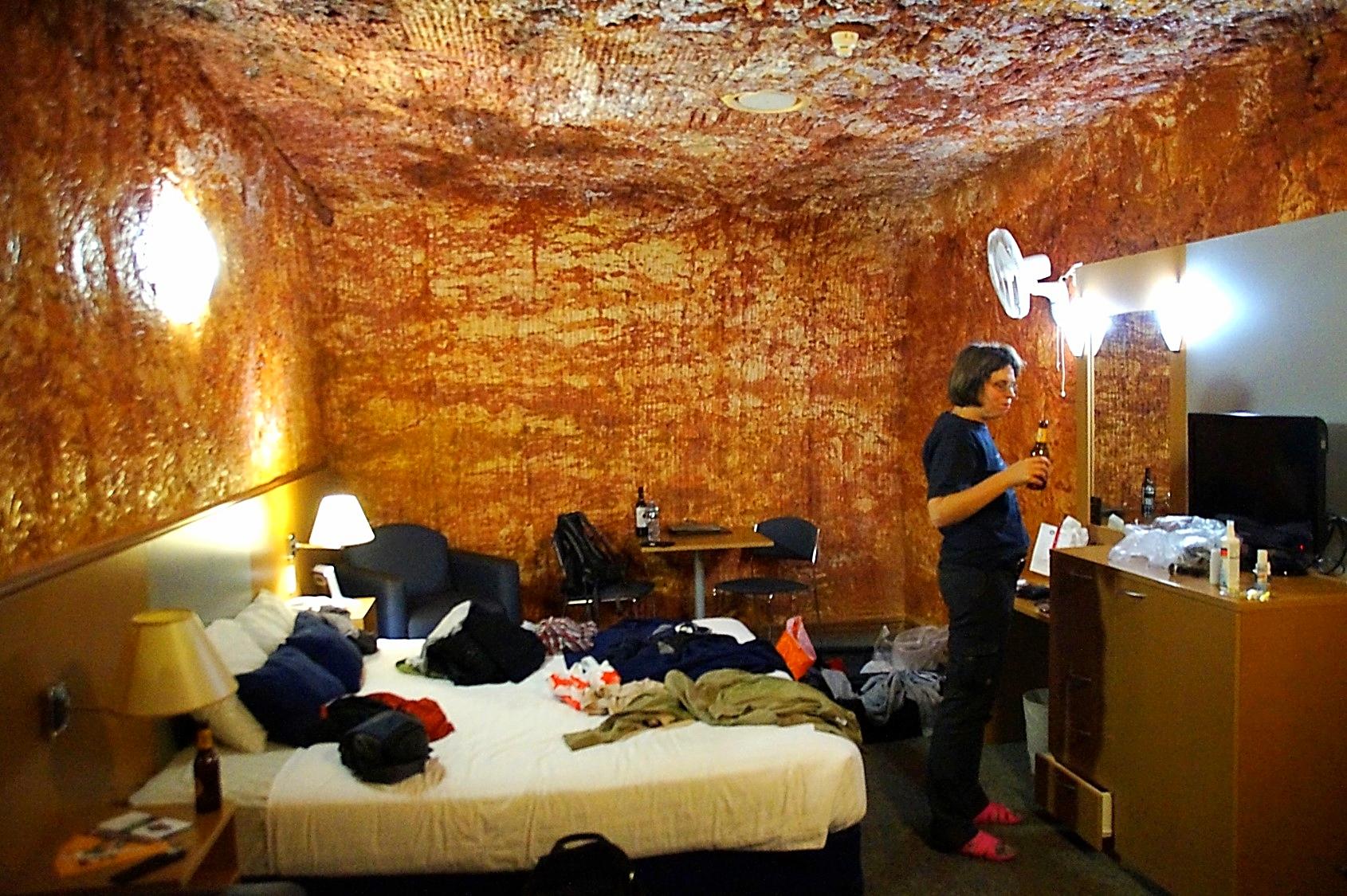 Bonus TOP 1 – Desert Cave Hotel in Coober Pedy. Urige Felshöhlen, ruhig und gut klimatisiert. Das Abendessen im Restaurant war sehr gut und preiswert.