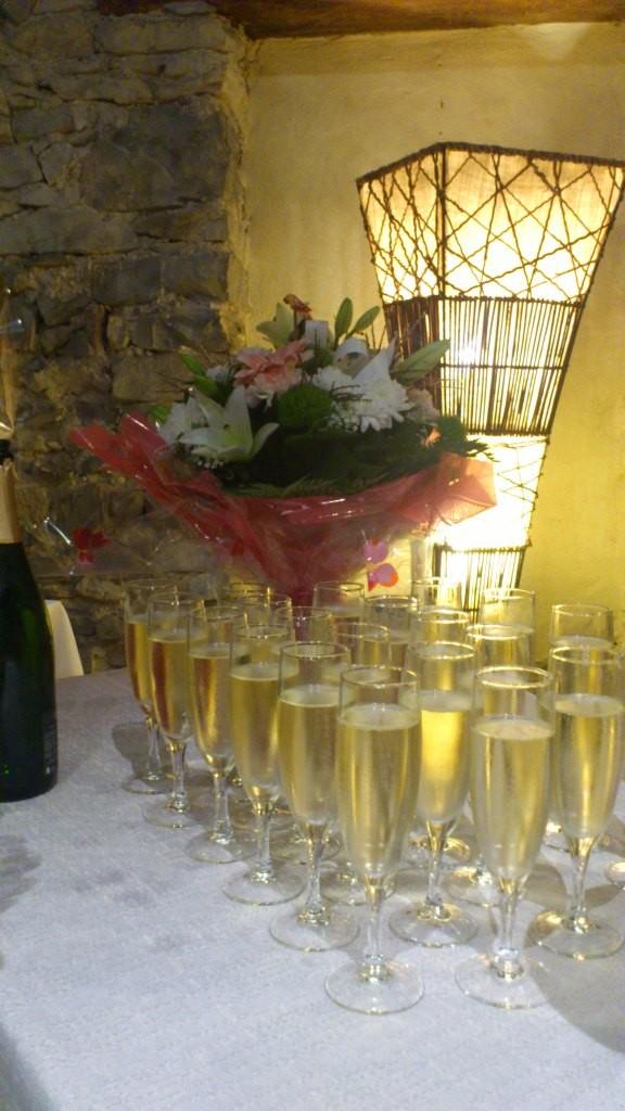 Vin d'Honneur, Restaurant.