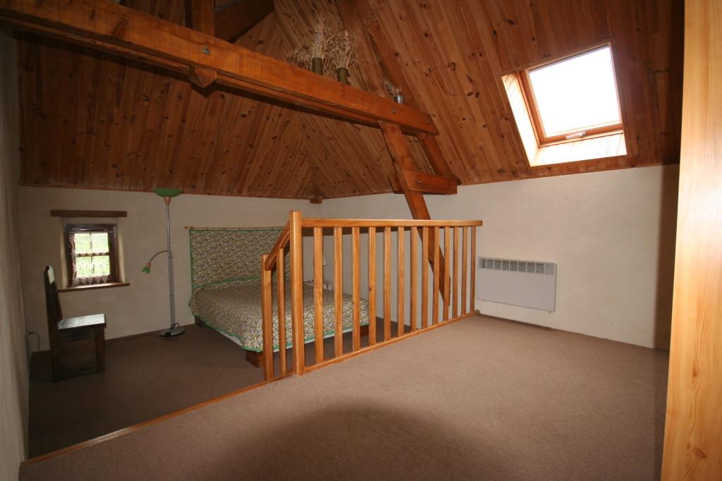 chambre avec lit double et lit BB