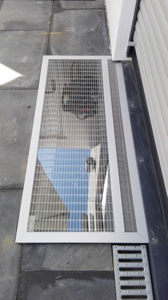 Lichtschachtabdeckung PCB mit klarem Kunststoffglas
