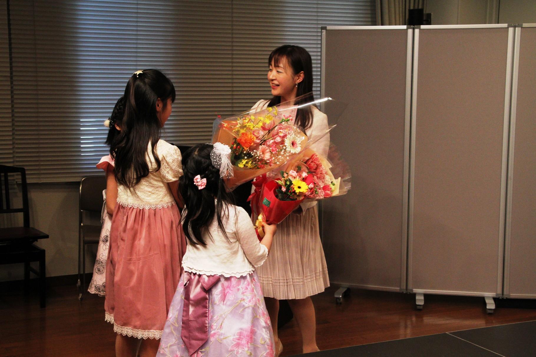 たくさんのお花やプレゼント、ありがとうございました(*^^*)