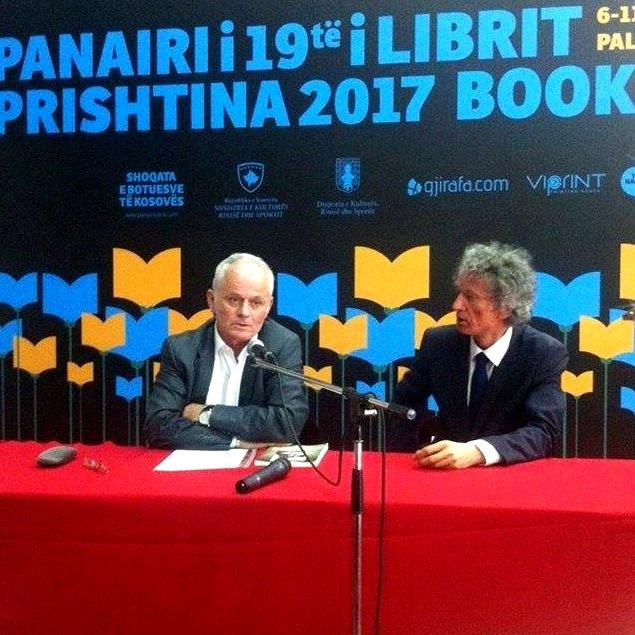 Fotografi : Behar Gjoka & Abdullah Zeneli / Panairi i Librit Prishtinë
