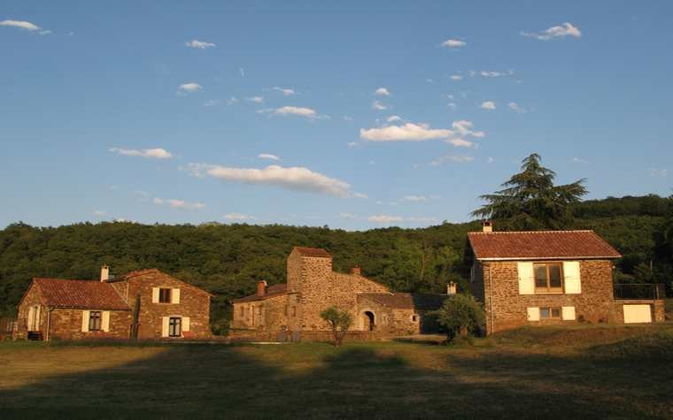 From left to right : suites La Sorgues and Le ruisseau, main building, suite La grange (La Margue West side)