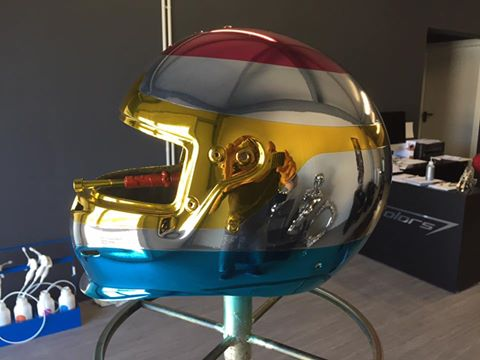 chrome,machine à chrome ,chromage  ,sprayonchrome , chrome par pulvérisation ,argent ,métallisation ,casque moto chrome