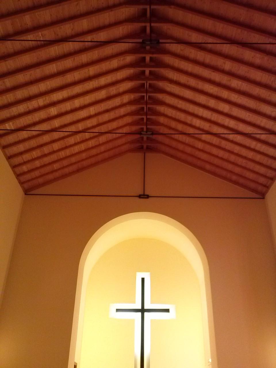 ... und verleiht der Kirche ein strahlenderes und freundliches Ambiente.