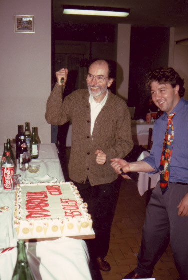 A Sergio Zaniboni l'onore del taglio della prima torta