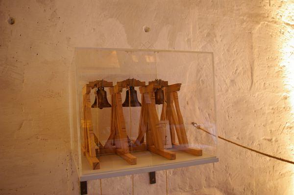 Modell des Glockenstuhls, M. 1:20 (Holzwerk: Jürgen Schlosser, Burgbernheim; Glocken: Wilhelm-Maybach-Schule, Stuttgart; Installation: Michael Scheffold)