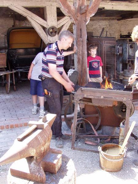Herstellung der Jochbeschläge, Fa. Kastner