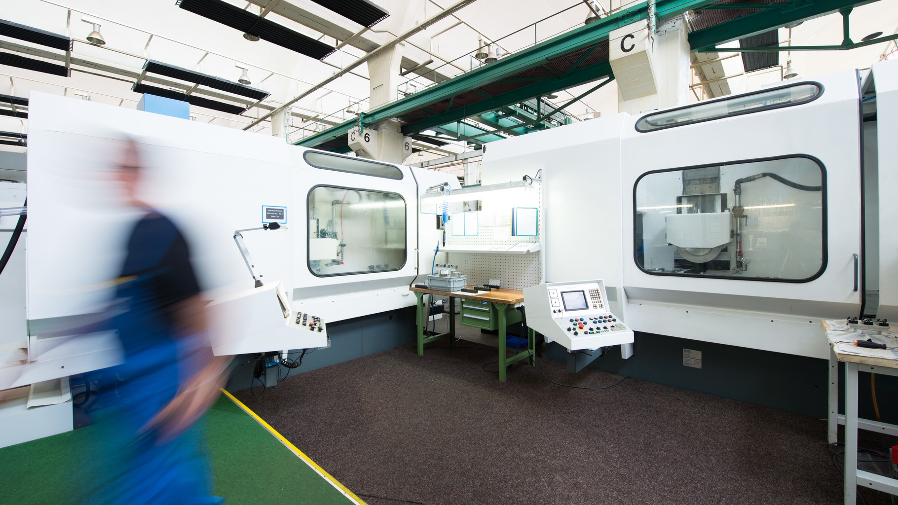 CNC-Schleifzentrum (Flach- und Profilschleifen)