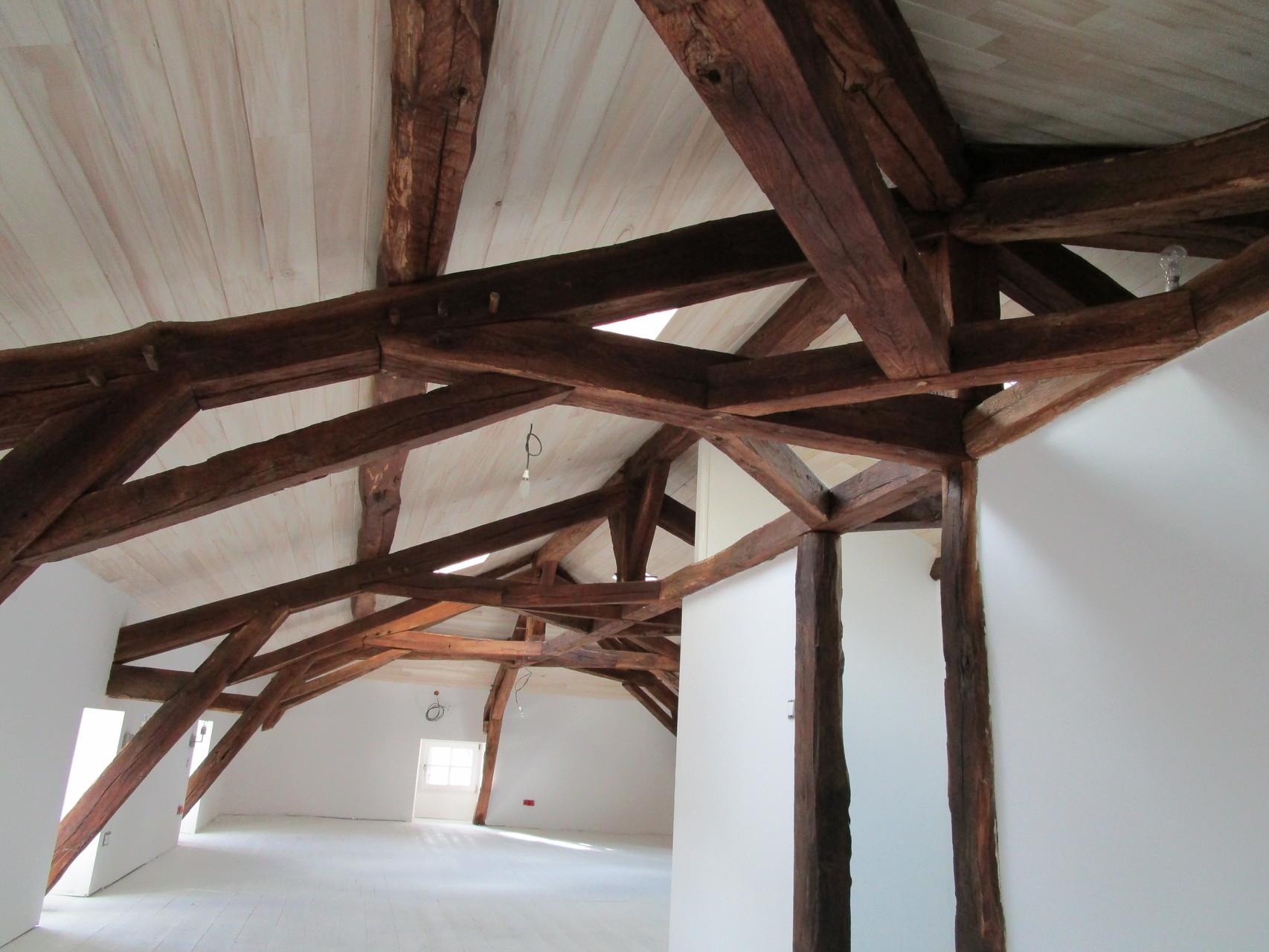 Rénovation : aménagement de comble avec lambris Peuplier du Poitou Charente.