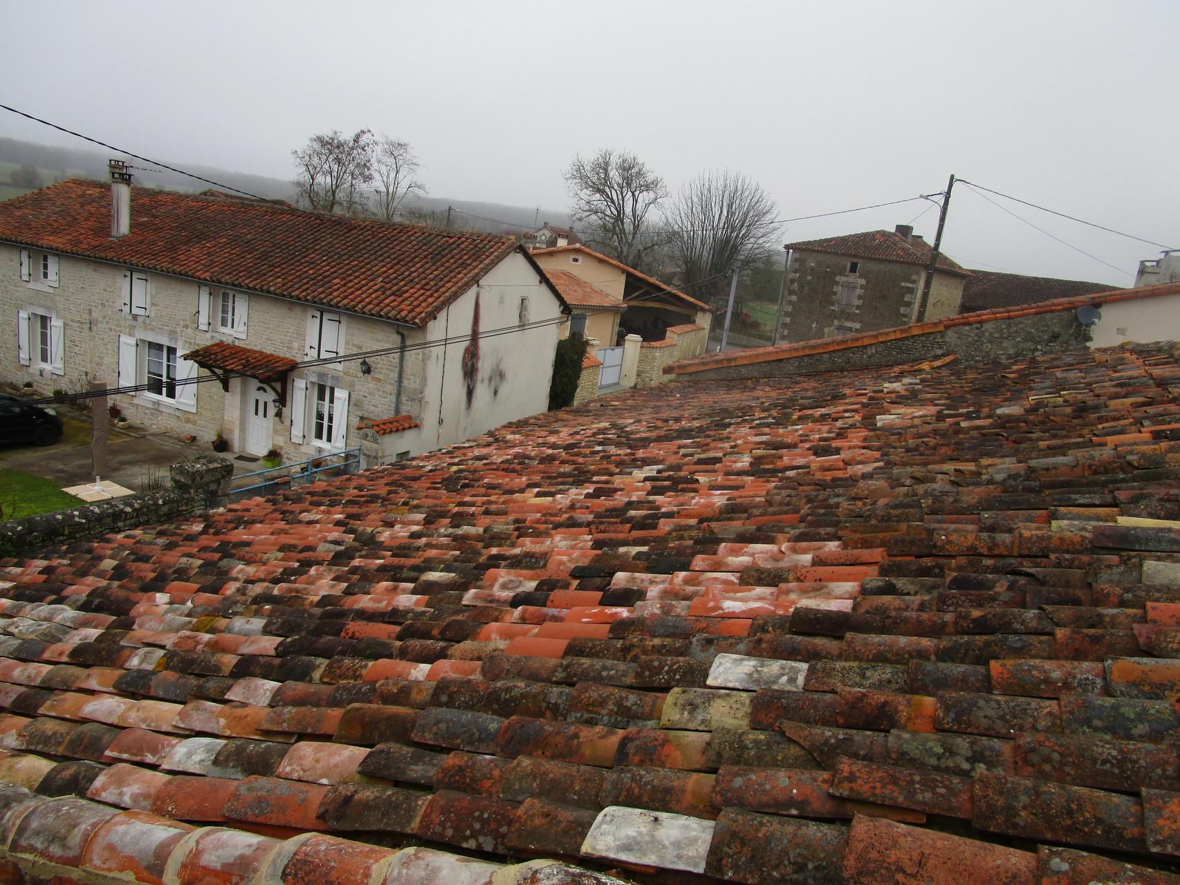 Couverture : toiture en tuiles canal après restauration !!!