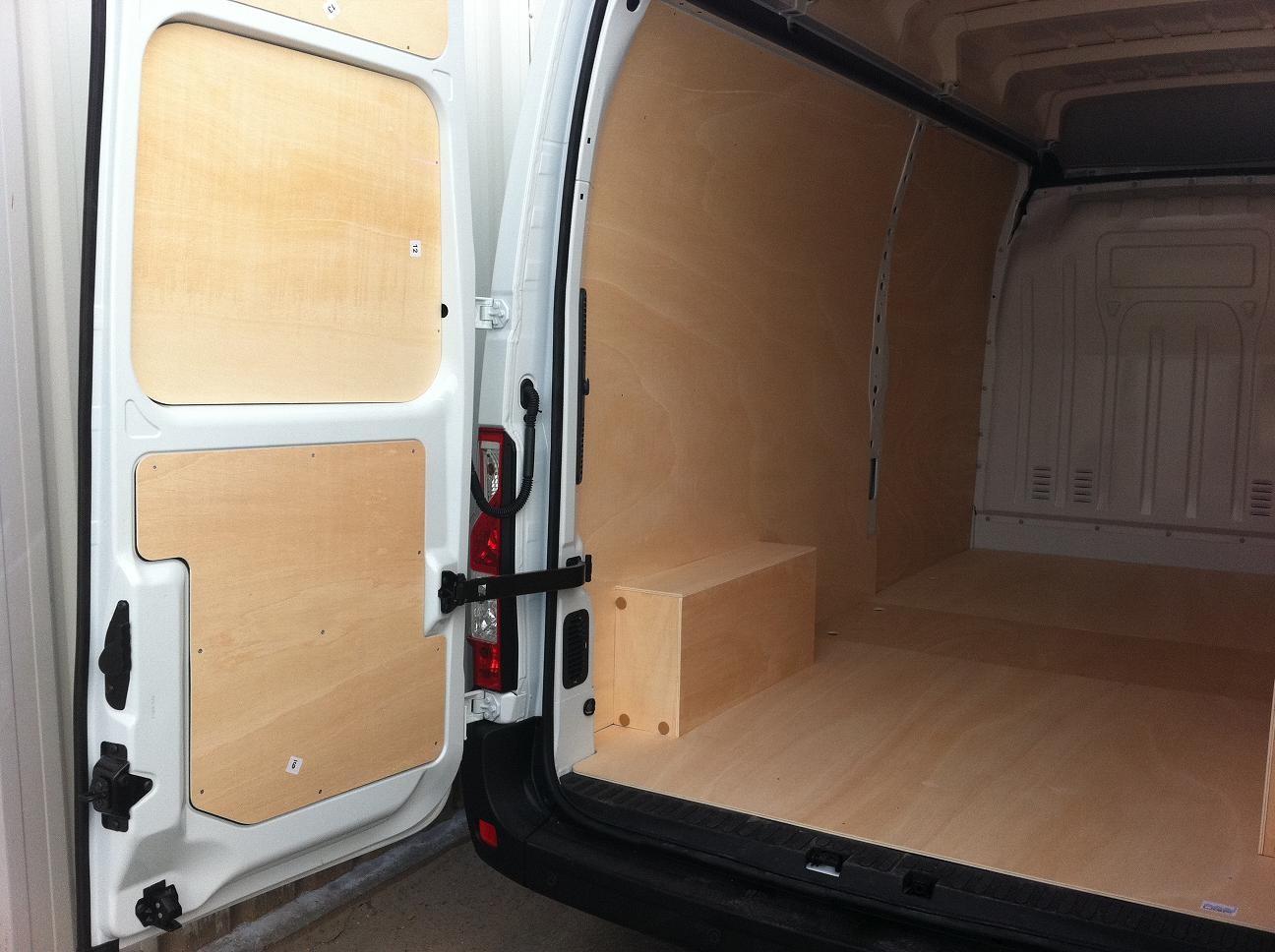 nos 4 kits bois contact auto am nagement utilitaires habillage protection. Black Bedroom Furniture Sets. Home Design Ideas