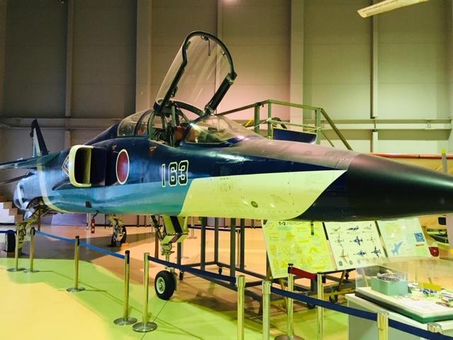 航空プラザ_T-2 超音速高等練習機・ブルーインパルス