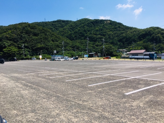 水晶浜海水浴場の駐車場の収容台数・料金