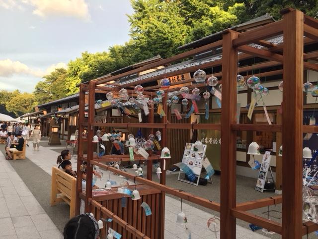 味噌煮込みの山本屋、味噌カツの矢場とんなど、なごやめし老舗店舗が並ぶ「義直ゾーン」