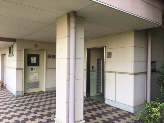 小牧山_トイレ・授乳室・駐車場