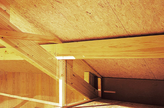 Application of the oriented particles panels of laminated poplar OSB