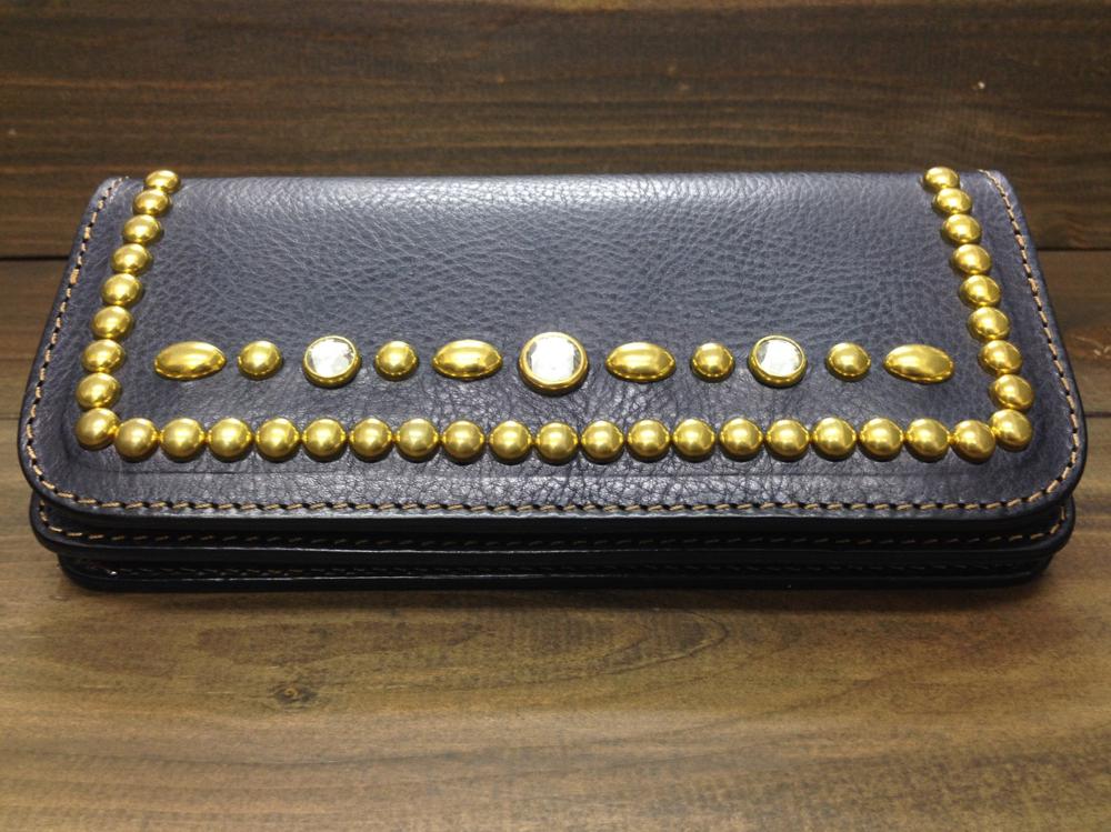 Studs wallet