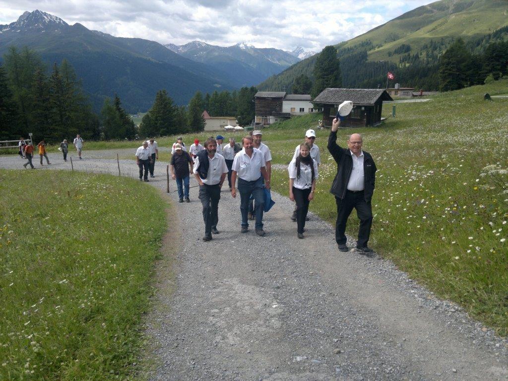 Am Sonntagmorgen stand ein Zmittag-Brunch auf der Strela-Alp auf dem Programm