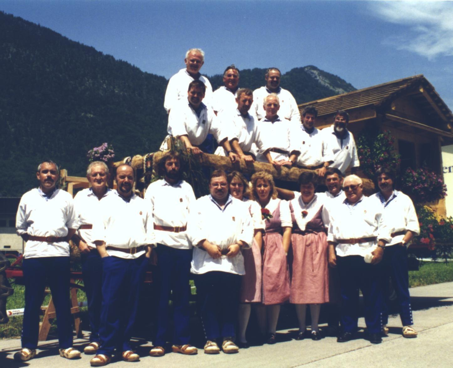 Der Klub im Jahre 1995 am ZSJV- Jodlerfest in Brunnen