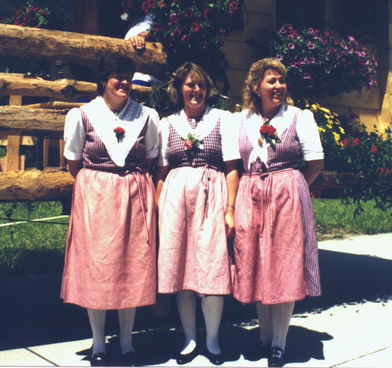 Unsere drei Jodlerinnen im Jahr 1995