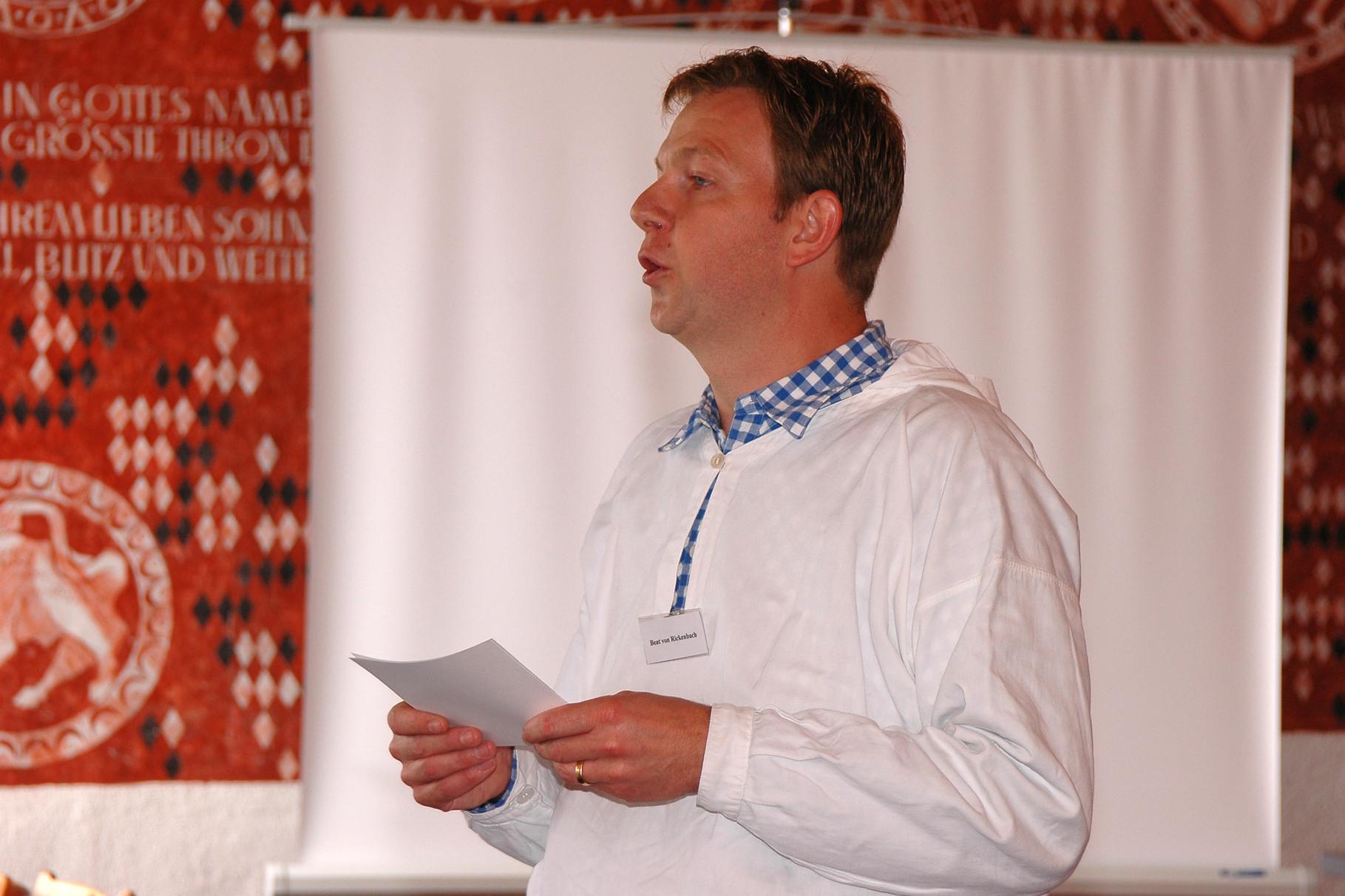 Speaker Beat von Rickenbach begrüsst die Festgesellschaft