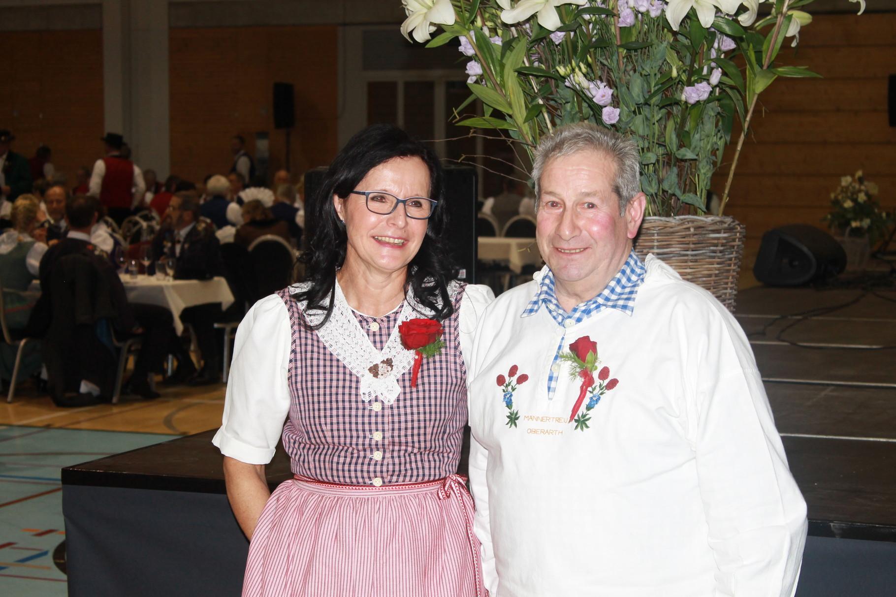 Auch Annemarie Imlig wurde als Veteranin (im Bereich Alphorn) geehrt