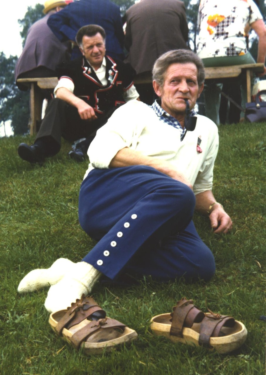 1975 macht Pauli Siesta am Eidg. Jodelfest in Aarau