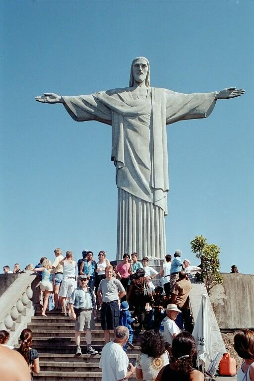Vor der berühmten Christusstatue auf dem Corcovado