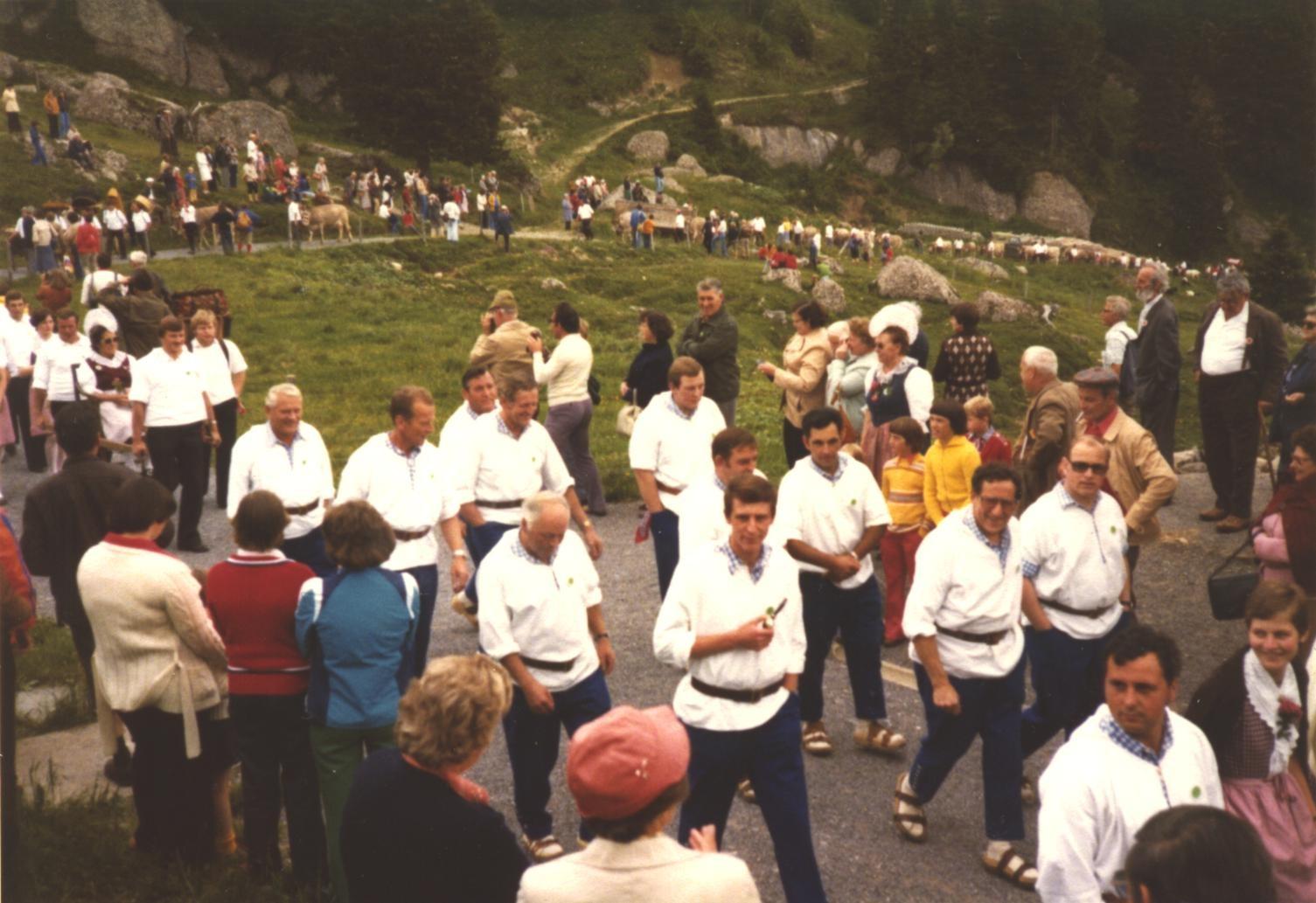 Am Alpaufzug zum Rigi-Schwingfest 1977
