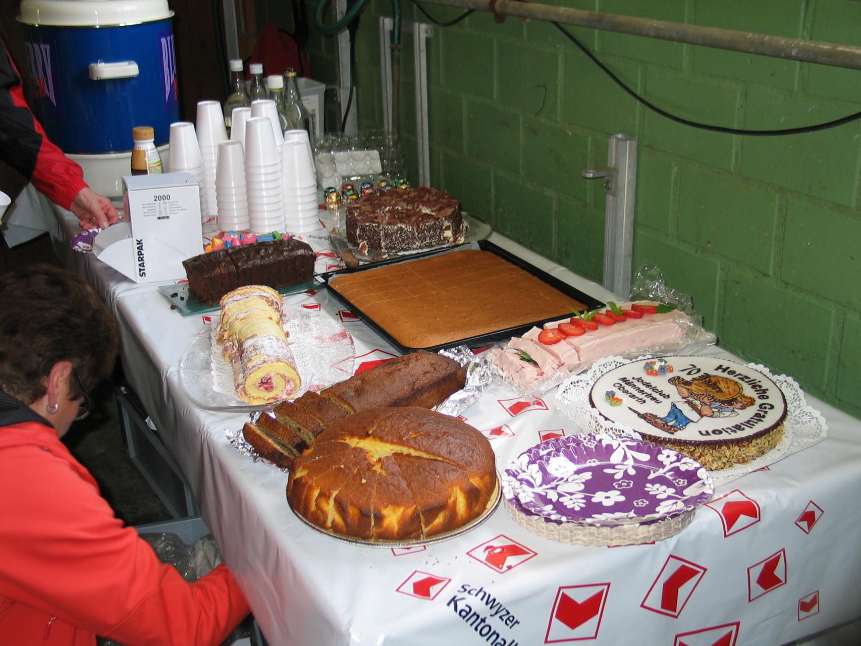 Zum Abschluss lassen sich die Gäste noch vom feinen Dessertbüffet verführen ...