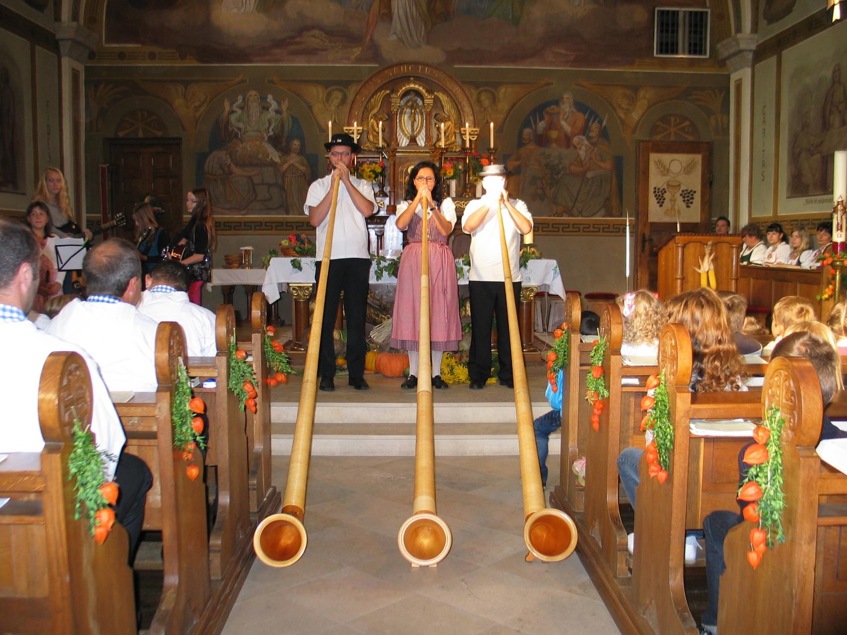 ... oder anlässlich des Festgottesdienstes in der Pfarrkirche