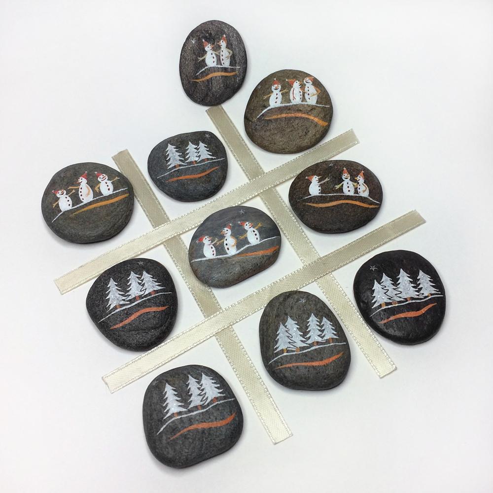 10 galets décoratifs FÊTES - jeu morpion, tic tac toe - peinture acrylique sur galets de rivière - fini mat