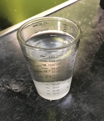 100ml Wasser mit Zitronensäure