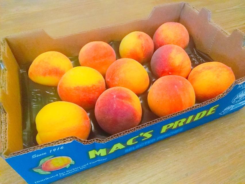 桃 🍑 Peaches (1箱$6くらい)