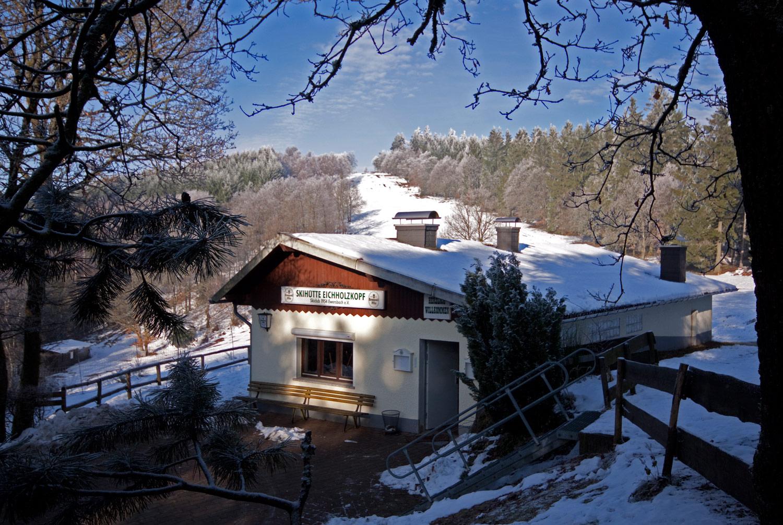 unsere Hütte im Winter