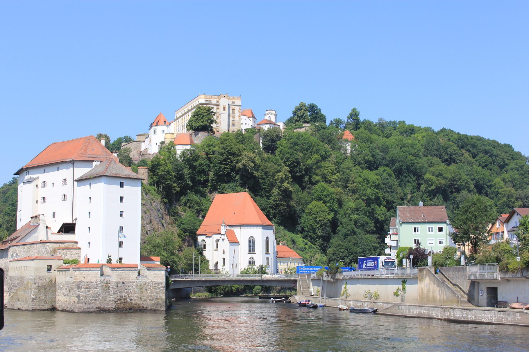 Vesten Ober- und Unterhaus
