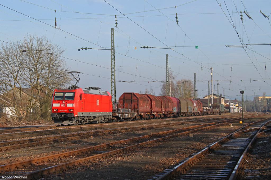 185 012 mit EZ 51927 Dillingen(Saar) - Mannheim Rbf Gr.K, Ensdorf 09.03.2016