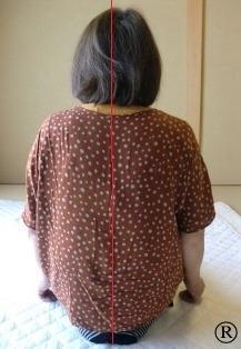 しんそう福井武生では、猫背などの身体の歪みを改善し、腰痛などを解消します。