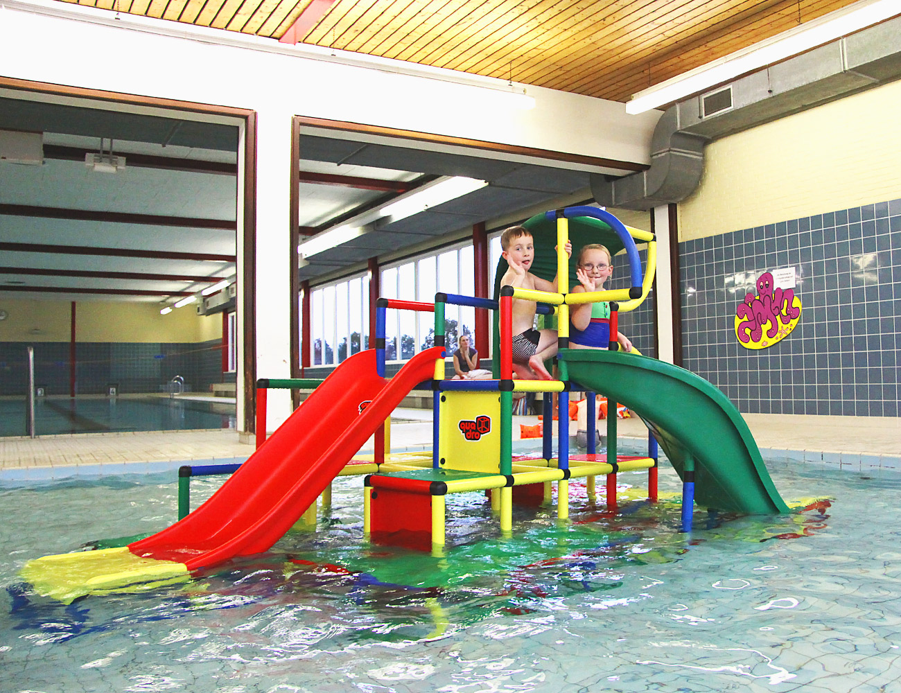 QUADROaqua lets kids have fun at the pool