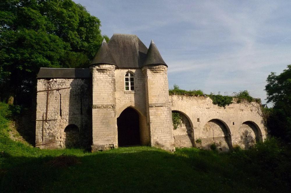 porte arrière du château, naturopathie, Moulin de Grouches, PranaHvital