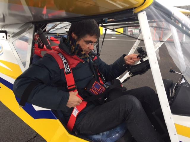 Pierre Semet départ pour un vol au dessus des plombs du Cantal