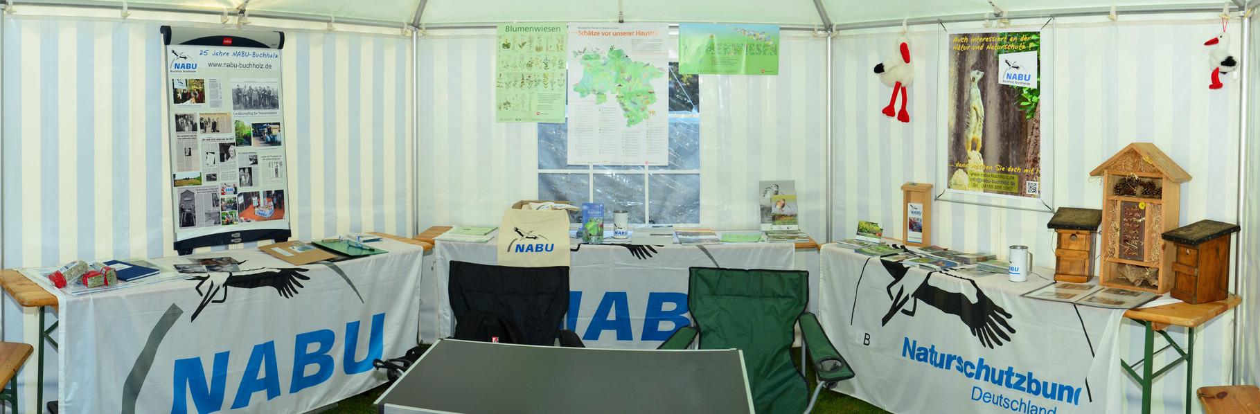 Innenansicht des NABU-Zeltes
