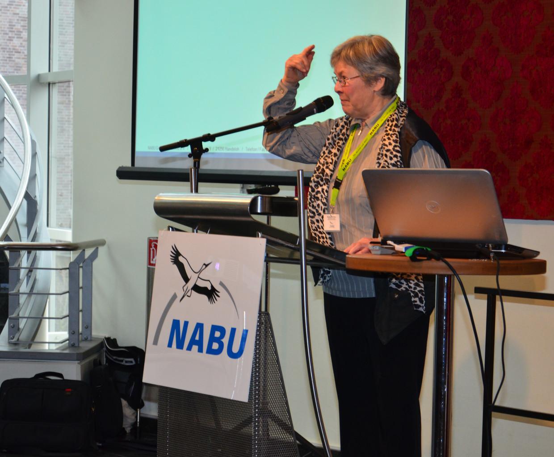 """Margarethe Fethke (Vorstandsmitglied) berichtet von der Gruppe """"Naturnahe Gärten"""""""