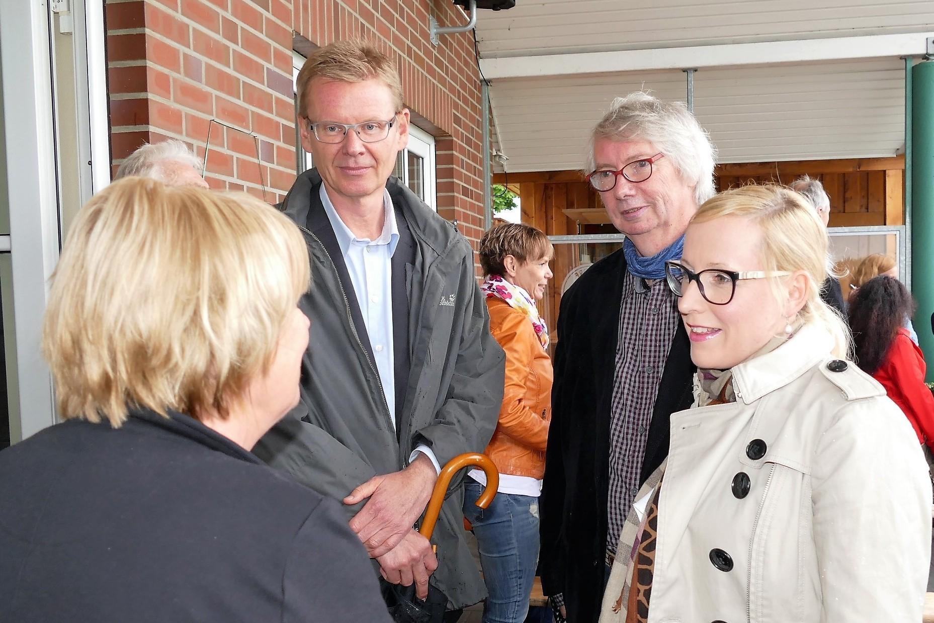 Erstmalig mit dabei: viele Gäste aus der Politik - hier Nadja Weippert, Uwe Blanck und Reinhard Riepshoff von Bündnis90/DIE GRÜNEN