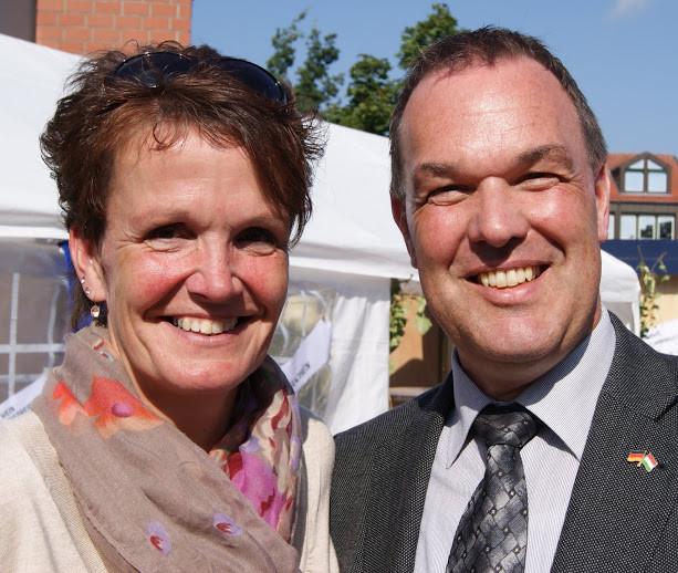 Da kommen auch schon Katja und Thomas Grambow ...