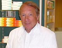 Erich Behling, Apotheker