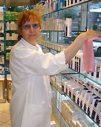 Frau Rauchmann, Raumpflegerin