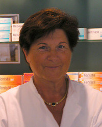 Elke Behling, Apothekerin