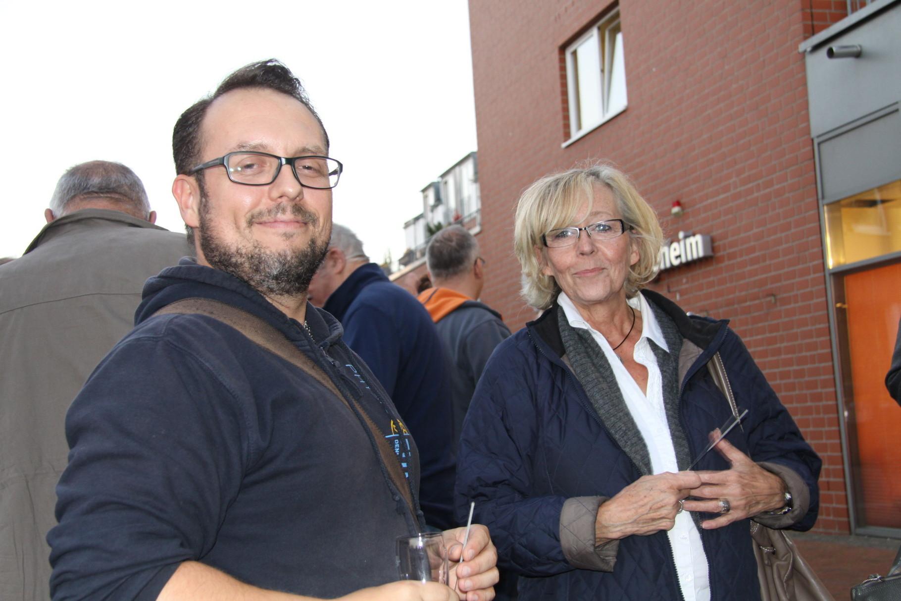 Dennys Bull, PHYSIO FITNESS B 2.0, und Birgit Poschmann vom MGH Courage